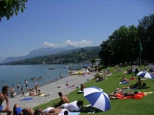 Пляж на Женевском озере