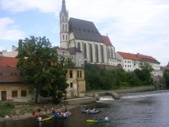 В Чешском Крумлове Влтава используется так же активно, как и за его пределами