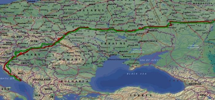 Красная линия - дорога туда, красные маркеры - места ночевок. Зеленым отмечен обратный путь.