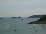 Вид с мыса Груан на бухту, в которой позже будем купаться